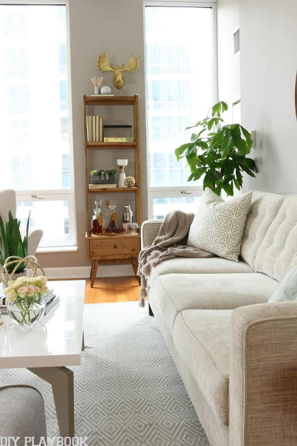 maggie reveal couch