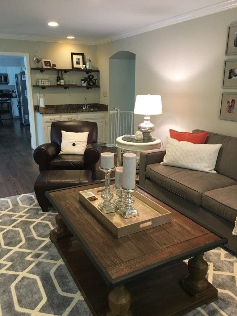 living-room-diyplaybooksos-lisa