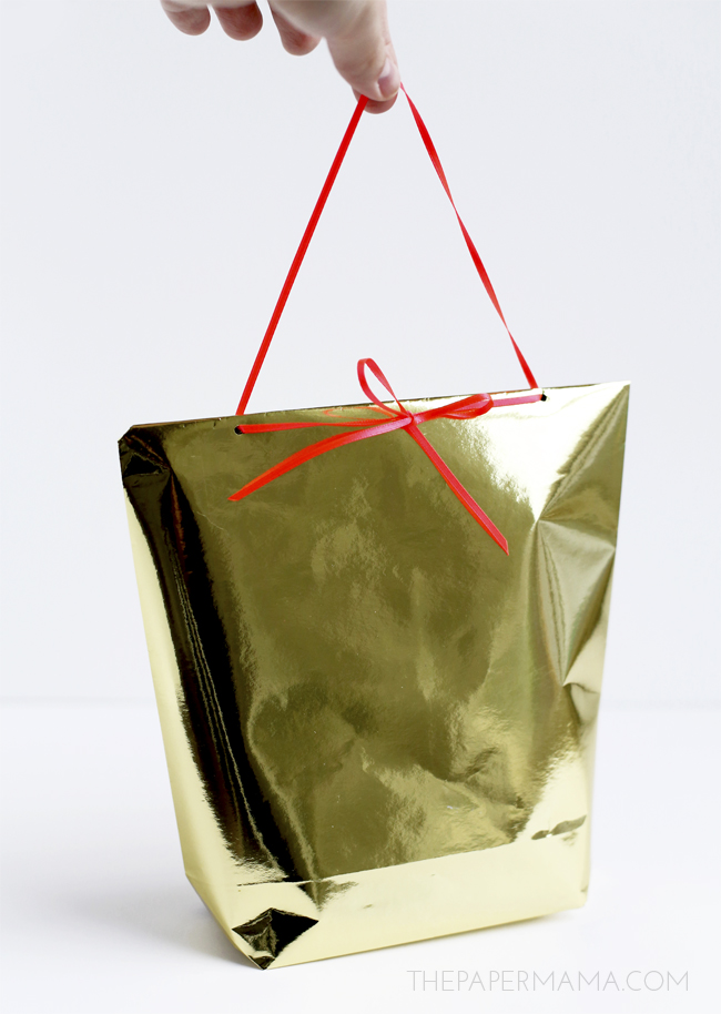 3 Ways to Wrap Difficult Objects: Mini Gift Bag Made Out of Wrapping Paper DIY