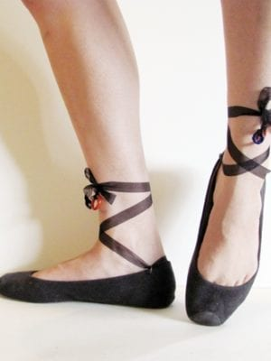 boring flats to ballet style toe-shoes . how to-sday thumbnail