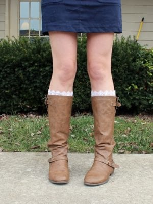 DIY Lace Boot Socks – How To-sday thumbnail