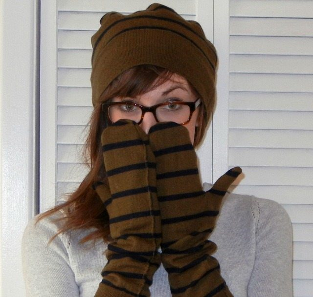 How to Sew a Free Recycled Sweater Mittens Pattern and Matching Hat thumbnail