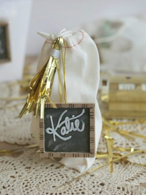 DIY Chalkboard Gift Tags – How To-sday thumbnail