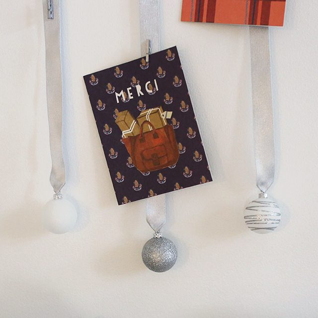 diy-christmas-card-holder-from-wood-slice-ornaments