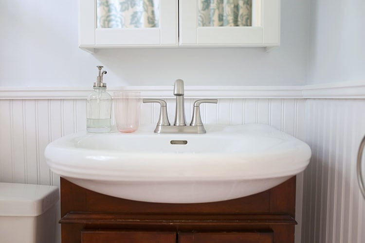 How to Make a Tiny Bathroom Look Bigger With Paint
