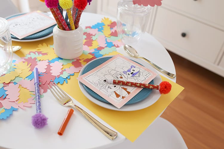 How to Decorate a Kids Table for Thanskgiving
