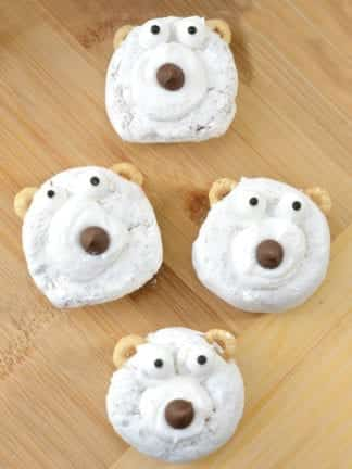 Easy DIY Polar Bear Christmas Donuts thumbnail