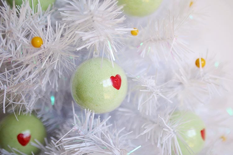 DIY Grinch Bath Bomb Ornaments for Christmas 1