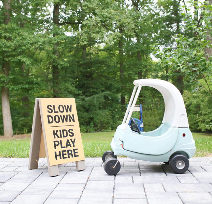 How to Make a Slow Kids at Play Yard Sign