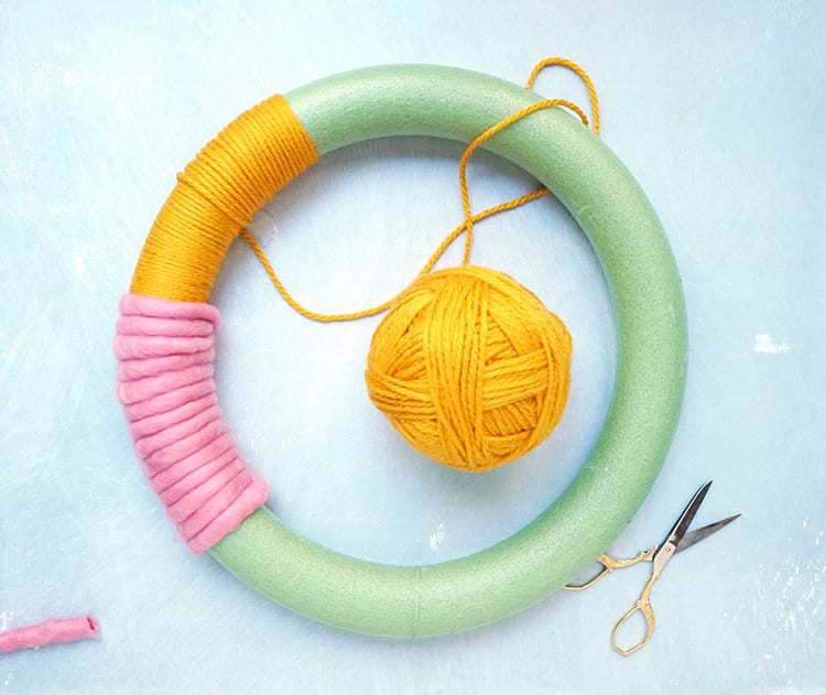 How to Make a Wreath Step by Step - Switching Colors