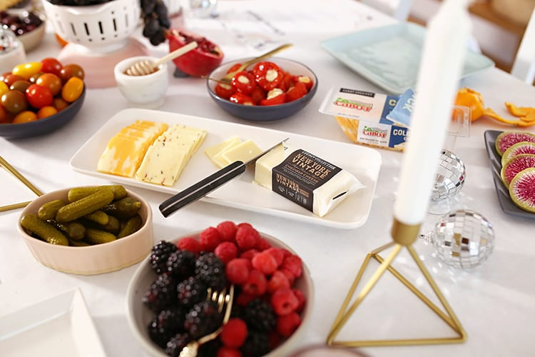How to Make an Easy Holiday Party Cheese Platter